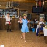 Конкурс с коромыслами на свадьбе в стиле Древняя Русь