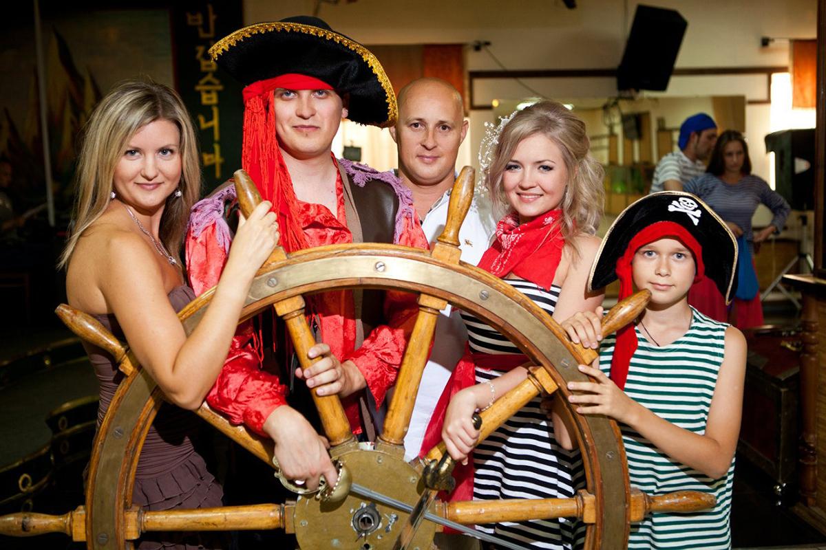 Пиратское поздравление на свадьбу или Как подарить